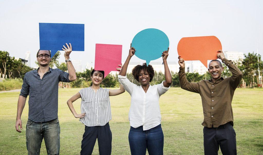 feedback listening in social media
